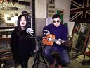 郝浩涵和珂妍吉他弹唱彩虹视频